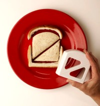 goodbites crustless sandwich cutter.jpg